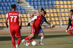 تیم فوتبال تراکتور در تهران اردو میزند