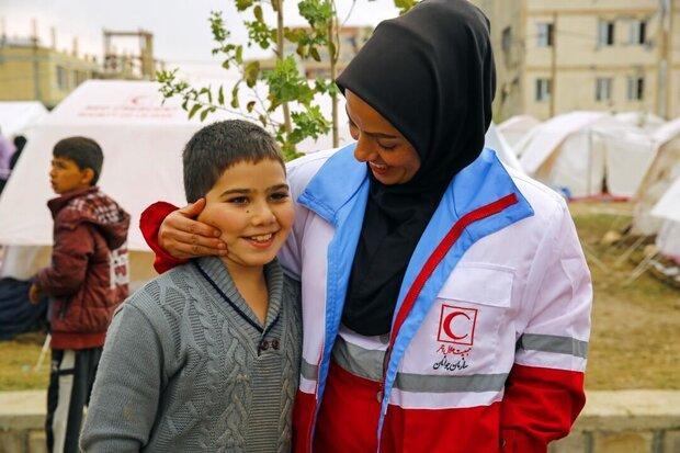 حضور تیمهای حمایت روانی هلال احمر در منطقه زلزله زده سی سخت,