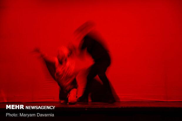 اجرای نمایش «جدال» در بجنورد