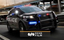 پلیس آمریکا با خودرو شاسی بلند از روی مردم رد شد