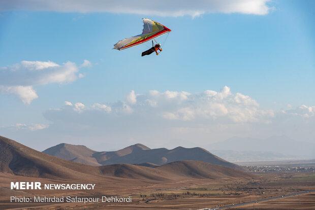 پرواز بر فراز بام ایران
