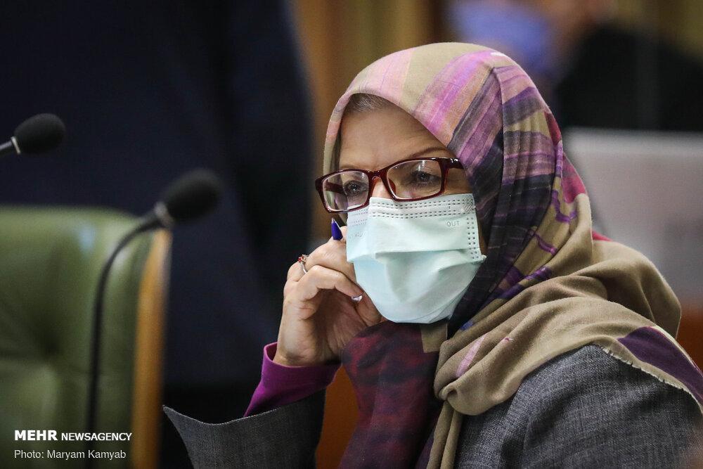 قطع میکروفون خداکرمی به دلیل دفاع از وزیر بهداشت