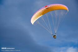 İran'da yamaç paraşütü