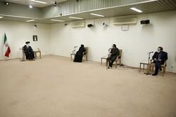 İslam Devrimi Lideri, Şehit Fahrizade'nin ailesiyle görüştü