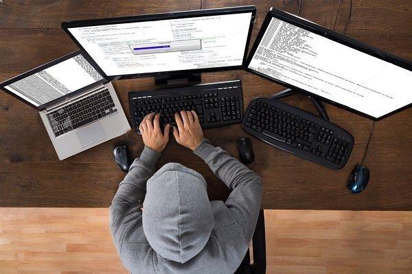 فعالیت هکرهای کلاه سفید در کشور قانونی می شود/ اعلام فراخوان برای شناسایی متخصصان امنیت رایانه