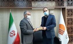 اهدای ۵۰۰دستگاه تبلت از سوی مرکز آمار ایران به دانش آموزان همدان