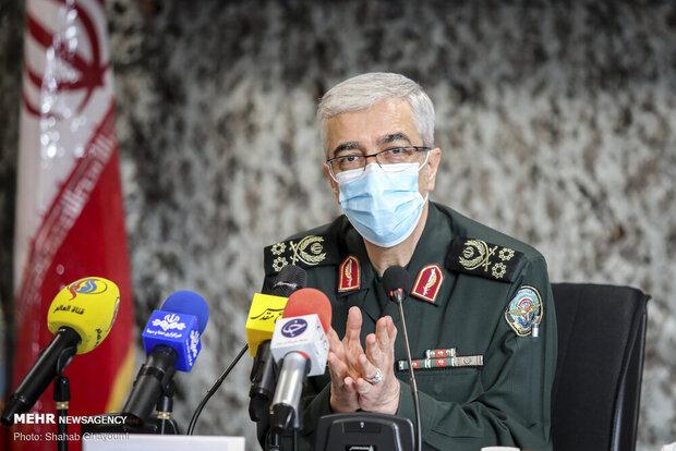 اللواء باقري: استراتيجية القوات المسلحة تعزيز القدرة على مهاجمة مراكز التهديد