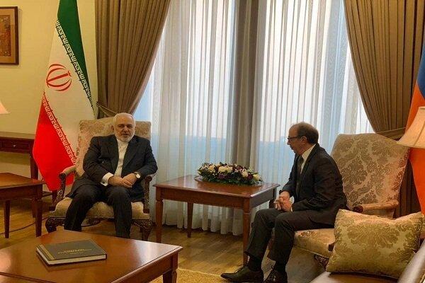 Iranian, Armenian FMs confer on bilateral cooperation