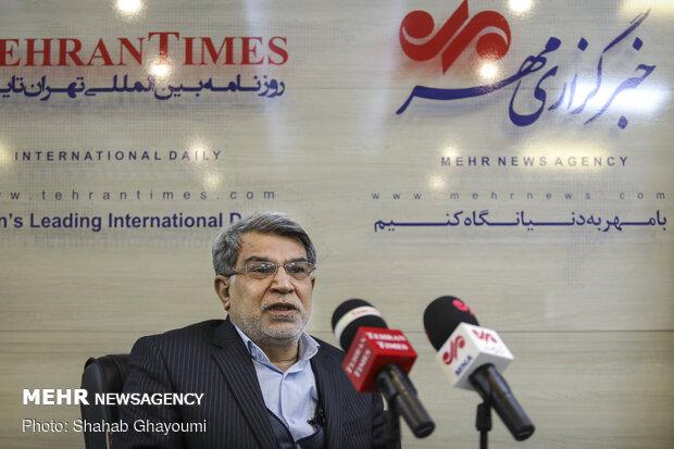 گفت و گو با علیرضا صالح، رئیس سابق سازمان خصوصی سازی