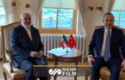 گفتگوی وزیر امور خارجه ایران و وزیر امور خارجه ترکیه