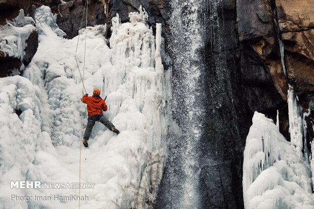 Ice climbing in Ganjnameh Waterfall of Hamedan prov.