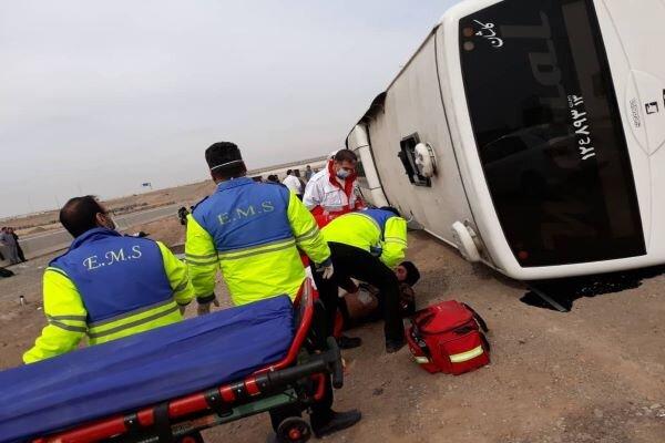 واژگونی اتوبوس در محور دامغان – شاهرود ۳۳ مصدوم برجای گذاشت