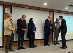 ذوبآهن اصفهان تندیس برنزی پنجمین دوره جایزه مسئولیت اجتماعی را کسب کرد