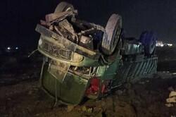 نشت گازوئیل در جاده گناوه باعث تصادف زنجیرهای شد