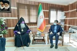ارامنه زیر پرچم جمهوری اسلامی ایران به صورت برابر زندگی میکنند