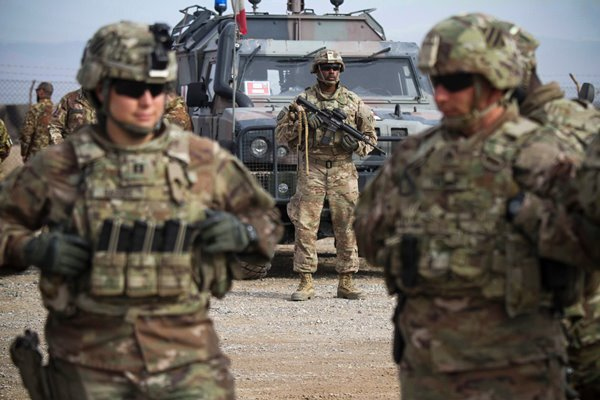 افغانستان سے نیٹو نے فوجی انخلا شروع کردیا