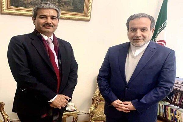 Iran, India confer on regional, intl. affairs