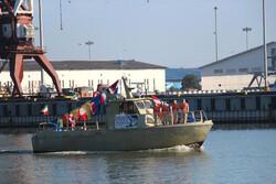 رژه شناورهای دریایی در بندرگاه انزلی به مناسبت آغاز دهه فجر