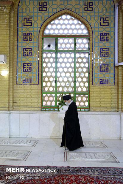 Ayat. Khamenei's visit to Imam Khomeini Mausoleum