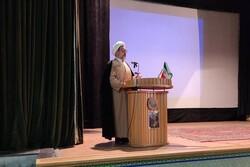 قلم و بیان شاعران در پویایی جامعه اسلامی ایران تأثیر گذار است
