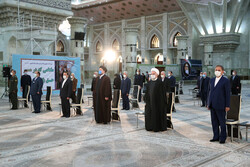 Rouhani, cabinet renew allegiance to Imam Khomeini's ideals