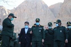 رئیس ستاد کل نیروهای مسلح در گلزار شهدای کرمان حضور یافت