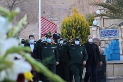 ادای احترام سرلشکر باقری به مقام شامخ سردار شهید سلیمانی