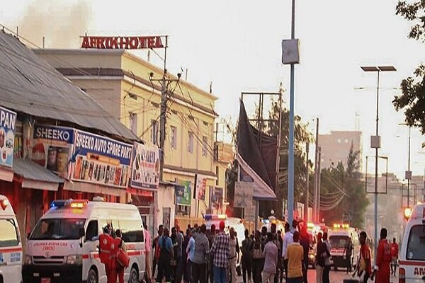 At least 10 killed in hours-long hotel attack in Somalia