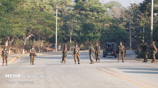 Myanmar'daki askeri darbenin ardından bakanlar ve yardımcıları görevden alındı