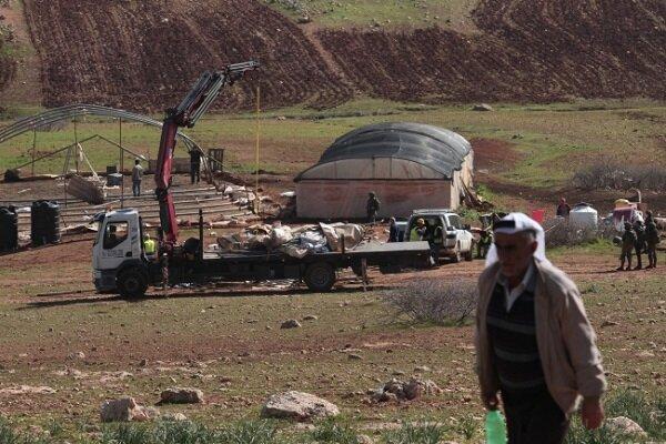 İsrail güçleri Filistinlilere ait 40 yapıyı yıktı