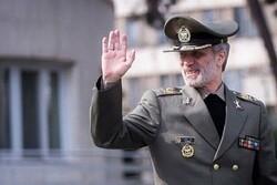 وزير الدفاع يهنئ نظرائه في الدول الاسلامية بحلول عيد الاضحى المبارك