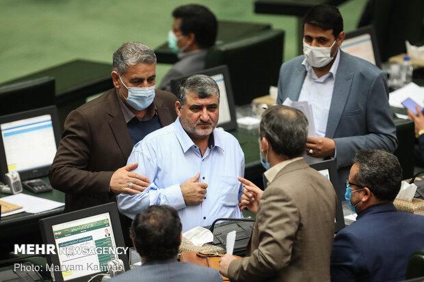 İran Meclisi'nde yeni yıl bütçe tasarısı ele alındı