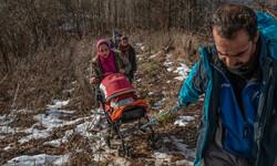 تلاش خانواده مهاجر افغانستانی برای رسیدن به اروپا