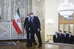 FM Zarif hosts Iraqi counterpart in Tehran