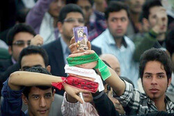 تجلی انقلاب در صفوف مختلف اقشار جامعه پدیدار است