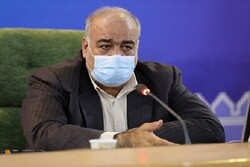 رسیدگی فوری به تشکیل صفهای طولانی توزیع سبدکالا در کرمانشاه/ صف توزیع کرونا همچنان ادامه دارد