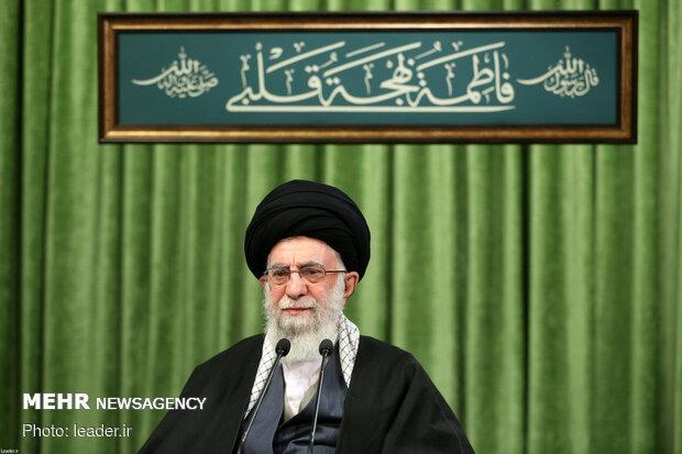 قائد الثورة يلتقي بمدّاحي وذاكري أهل بيت النبوة عليهم السلام