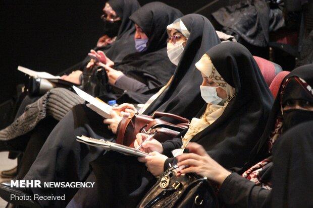 نشست تبیین الگوی سوم زن و نقش زنان در انقلاب اسلامی در تبریز
