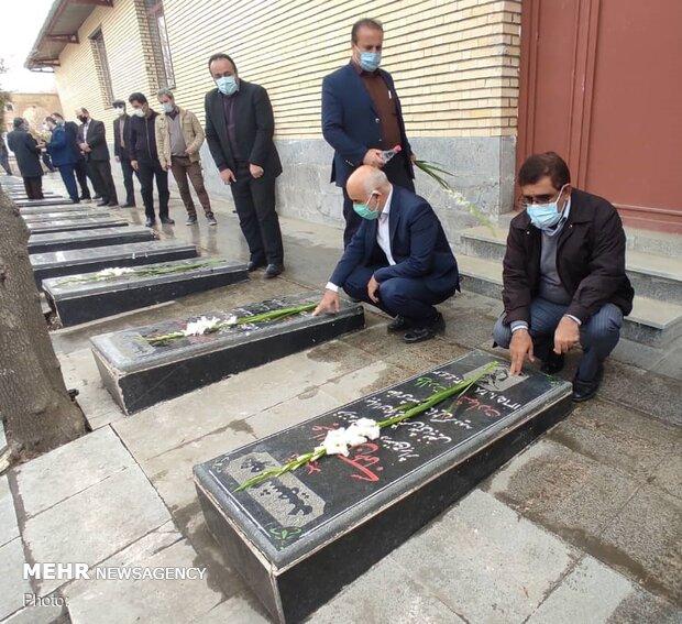تجدید میثاق سنندجی ها با آرمان های شهدای انقلاب اسلامی