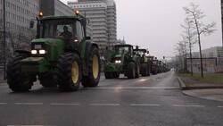 VIDEO: German farmers protest new regulations