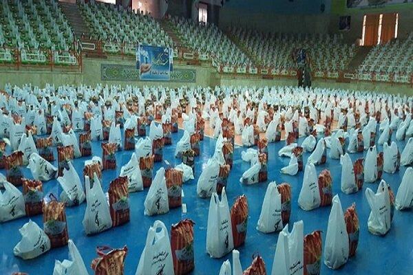۱۴۰۰۰ هزار بسته کمک مومنانه در کرمانشاه توزیع شد