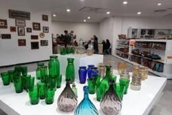 نمایشگاه صنایعدستی در مجموعه شهر کتاب قزوین برگزار شد