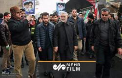 روایت عکاس خبرگزاری مهر از حضور شهید سلیمانی در راهپیمایی ۲۲ بهمن