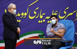 ایرانی وزیر صحت کےبیٹے نے سب سے پہلے کورونا ویکسین لگوائی