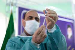واکسیناسیون بیماران دیالیزی علیه کرونا در اراک آغاز شد