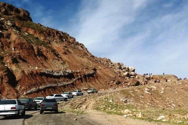 امدادرسانی به ۲۲ مسافر محبوس در تونل هراز