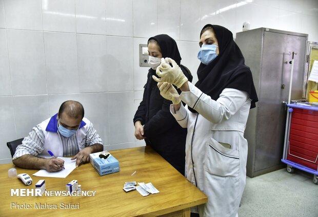 فاز دوم واکسیناسیون کادر درمان علیه کووید ۱۹ آغاز شد,