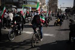 ۲۲ بهمن جلوه ای دیگر از حماسه حضور انقلابی مردم شیراز