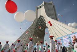 Tahran'da İslam Devrimi Zaferi için kutlama