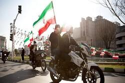 حماسه حضور مردم استان سمنان در راهپیمایی ۲۲بهمن/ همه آمدند